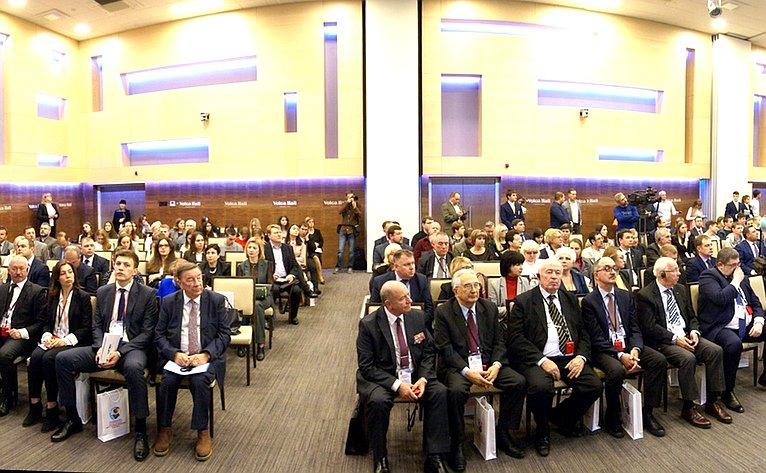 Е. Попова приняла участие вдискуссиях Международного форума общественной дипломатии «Диалог наВолге: Мир ивзаимопонимание вXXI веке»