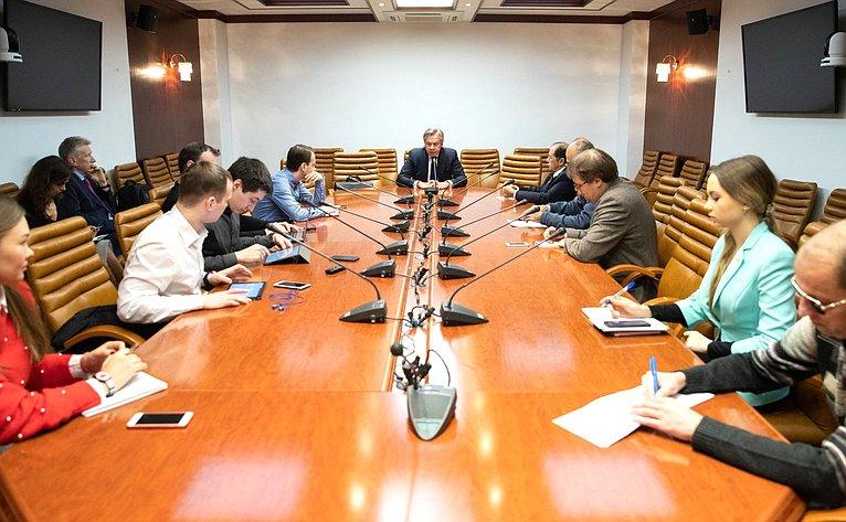Встреча А. Пушкова спредставителями иностранных СМИ натему «Кризис вотношениях Совета Европы иРоссии: информационные аспекты»