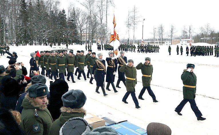 Ю. Липатов встретился вМосковской области своеннослужащими дивизии противоракетной обороны Воздушно-космических сил РФ