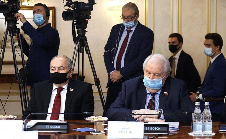 Ильяс Умаханов иСергей Кисляк