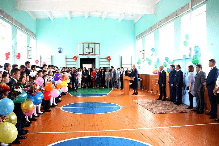 Лилия Гумерова приняла участие вторжественной линейке, посвященной Дню знаний иоткрытию школы сдетским садом вг. Баймаке