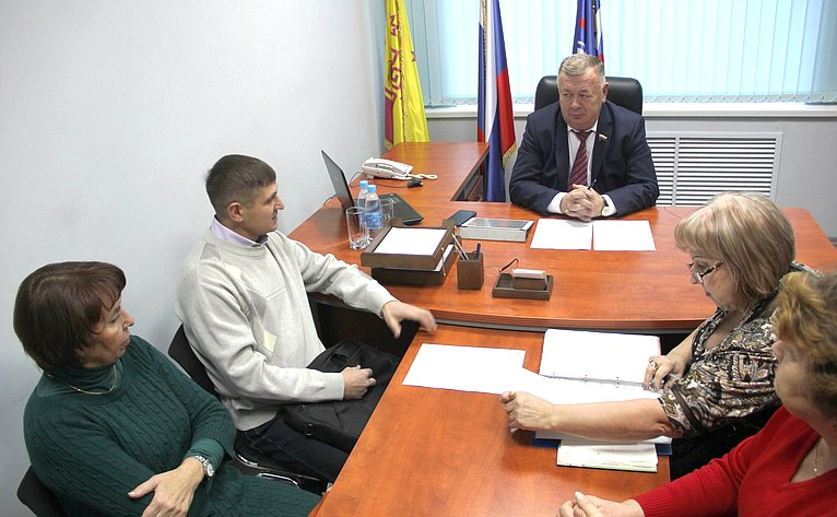 Вадим Николаев провёл прием граждан вг. Чебоксары