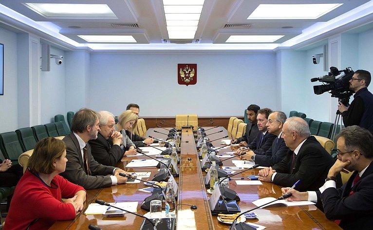Встреча С. Кисляка сглавой Миссии ООН поделам временной администрации вКосово (МООНК) Захиром Танином