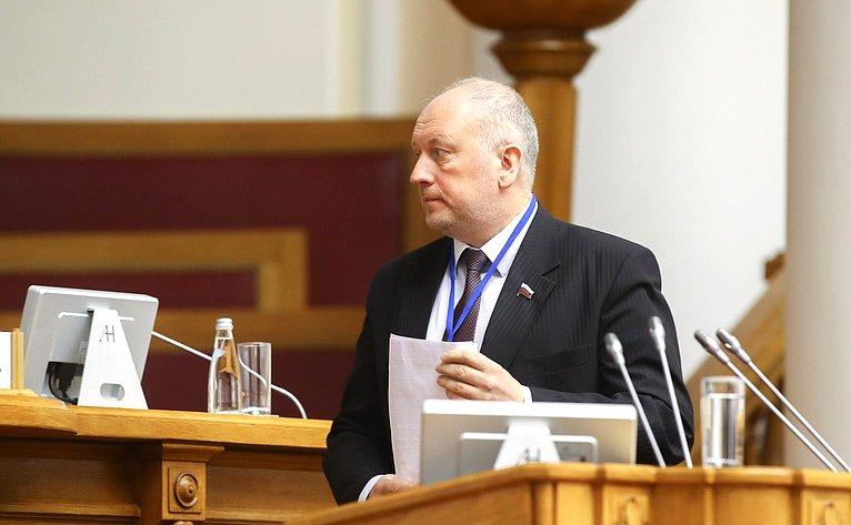 С. Рыбаков