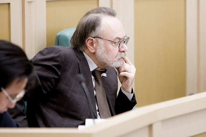 А. Тотоонов 371-е заседание Совета Федерации