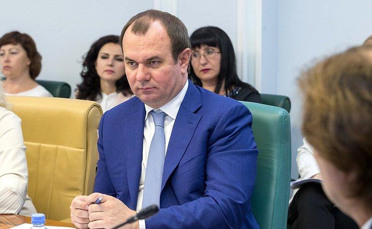 И. Лебедев