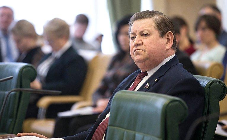 В. Литюшкин
