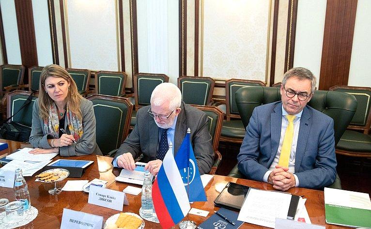 Встреча членов Комитета СФ пофедеративному устройству, региональной политике, местному самоуправлению иделам Севера сделегацией КМРВСЕ