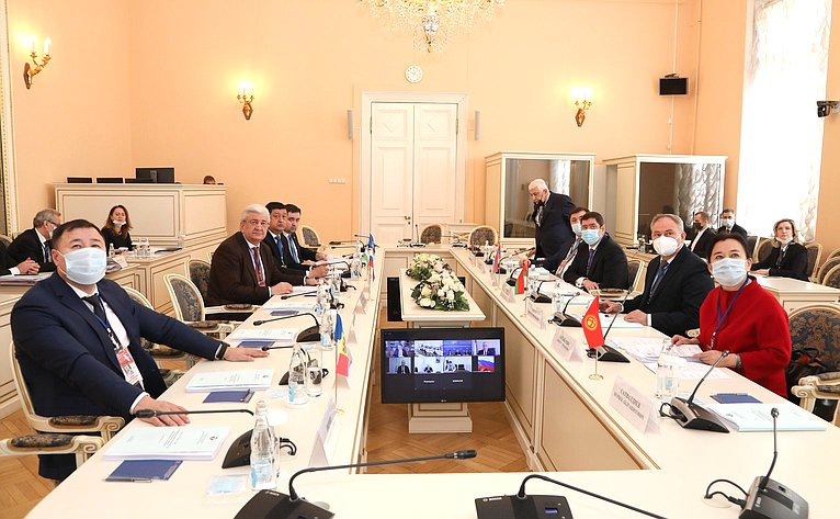 Заседание Постоянной комиссии МПА СНГ пополитическим вопросам имеждународному сотрудничеству