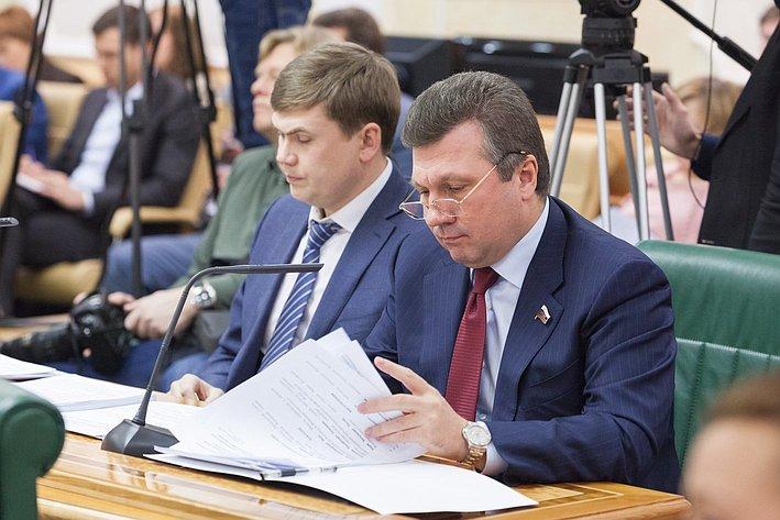Заседание совета при Председателе СФ по вопросам жилищного строительства и содействия развитию ЖКХ Васильев