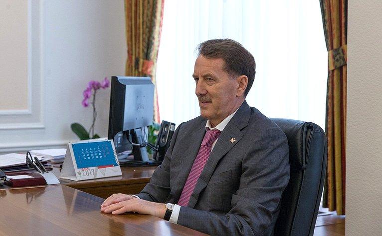 Встреча Галины Кареловой сгубернатором Воронежской области Алексеем Гордеевым