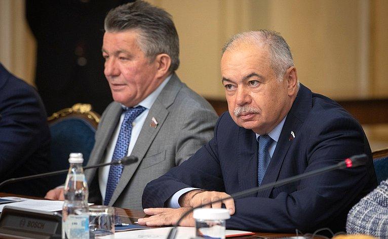 Виктор Озеров иИльяс Умаханов