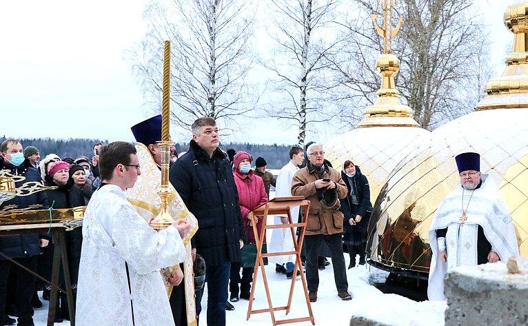 Нахрам Усекновения главы Иоанна Предтечи подняли золотые купола