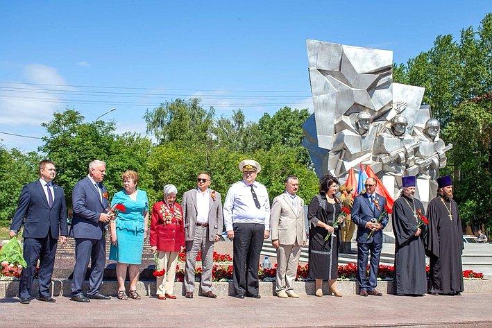 В. Абрамов принял участие вмероприятиях, приуроченных кгодовщине начала Великой Отечественной войны