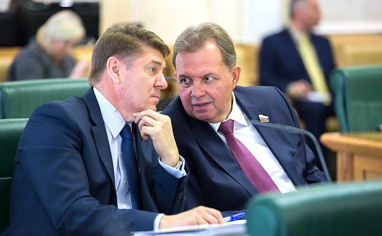 А. Шевченко иВ. Павленко