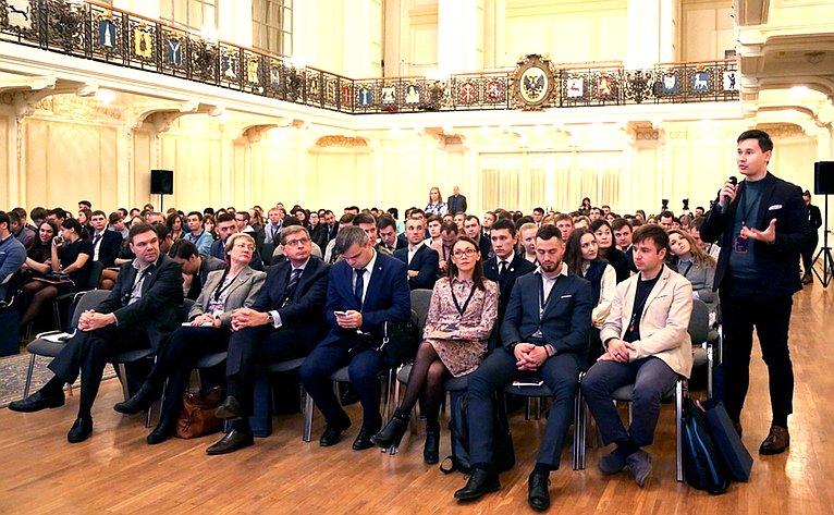 О. Мельниченко принял участие вработе Молодежного форума Приволжского федерального округа
