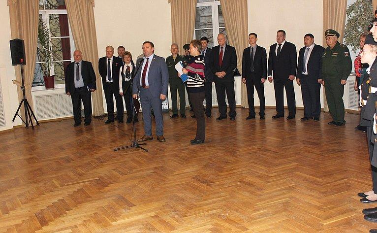 Заместитель председателя Комитета СФ пообороне ибезопасности Алексей Кондратьев посетил Всероссийские форумы «Золотой эполет» и«Инженер— профессия творческая»
