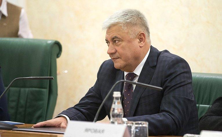 В. Колокольцев