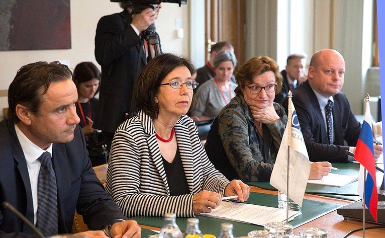 Встреча российской делегации сглавой ПА ОБСЕ К. Муттонен