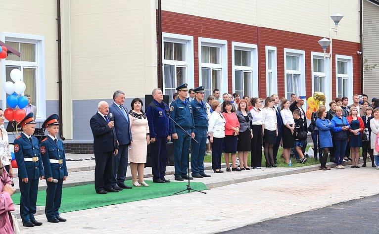 Ю. Воробьев принял участие впраздничных мероприятиях, посвященных Дню знаний
