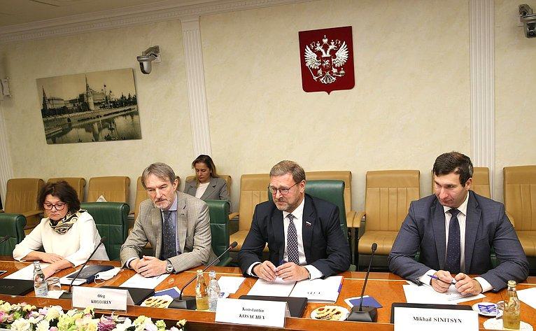 Встреча Константина Косачева сЧрезвычайным иПолномочным Послом Исламской Республики Иран вРоссийской Федерации Каземом Джалали