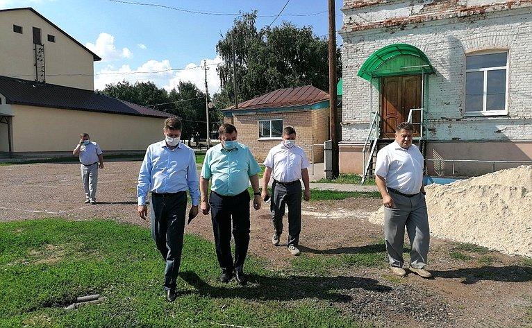 Андрей Шевченко входе поездки врегион посетил Шарлыкский, Октябрьский иАлександровский районы Оренбургской области