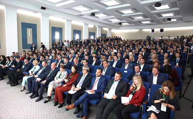 Олег Мельниченко принял участие вМеждународном инвестиционном форуме вРеспублике Молдова