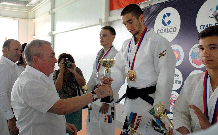 ВБорцовском зале аула Урупского состоялся открытый турнир муниципального образования Успенский район подзюдо