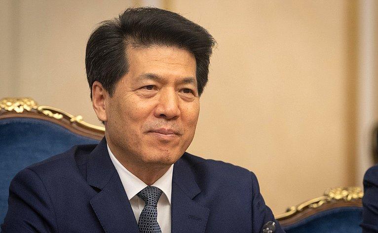 Встреча Валентины Матвиенко сЧрезвычайным иПолномочным Послом КНР вРФЛи Хуэем