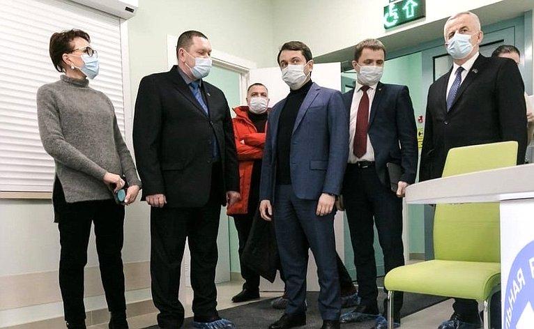 Татьяна Кусайко посетила новую амбулаторию впосёлке Сафоново Мурманской области