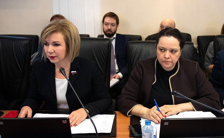 Елена Зленко иАнна Отке