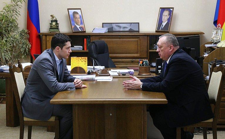 Встреча Вадима Тюльпанова сВременно исполняющим обязанности губернатора Калининградской области Антоном Алихановым