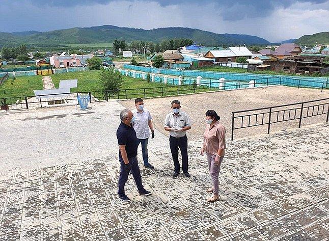 Баир Жамсуев ознакомился сходом ремонтных истроительных работ вАгинском Бурятском округе Забайкальского края