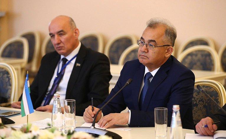 Встреча К.Косачева сузбекскими парламентариями