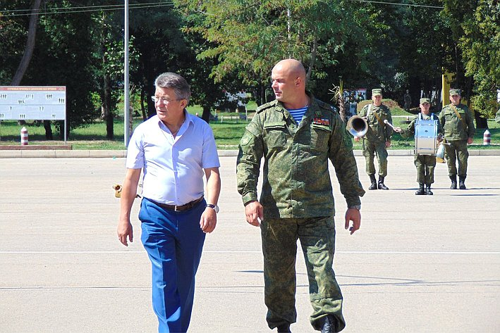 Делегация СФ посетила 7-ю российскую военную базу в Абхазии