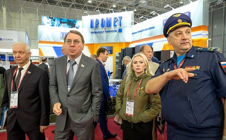 Члены Комитета СФ пообороне ибезопасности приняли участие вработе Международного научно-технического форума «Армия-2019»