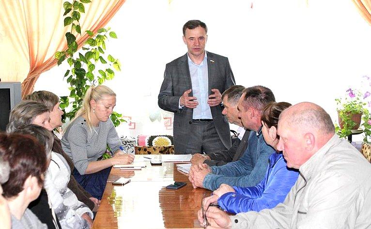 Виктор Новожилов провёл встречи ссоветами ветеранов вмуниципальных образованиях «Верхнешоношское», «Пакшеньгское» и«Солгинское»