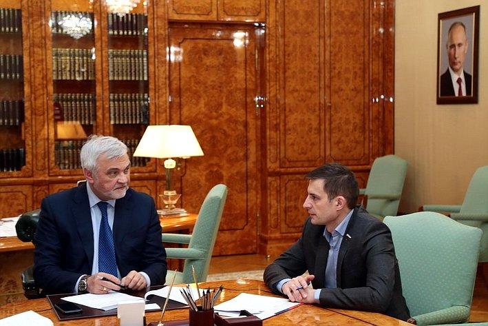 Встреча Дмитрия Шатохина иврио главы региона Владимира Уйбы