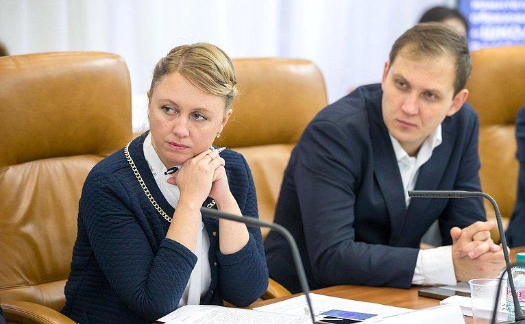 Галина Карелова провела заседание Организационного комитета Всероссийского образовательного проекта «Школа молодых законотворцев»