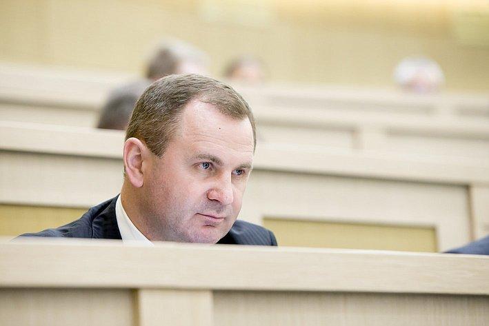 Н. Савельев 371-е заседание Совета Федерации