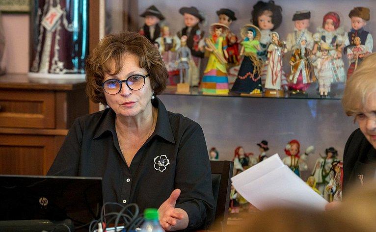 Екатерина Лахова