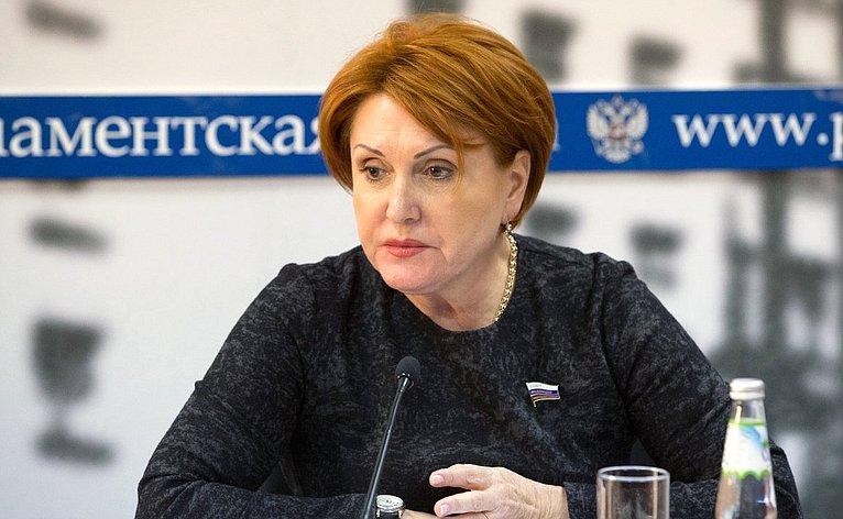 Н. Болтенко приняла участие вкруглом столе натему «Как недопустить распространения вируса вРоссии?»