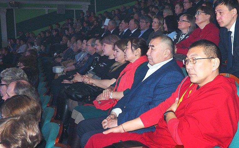 Вячеслав Наговицын получил награду Улан-Удэнской иБурятской епархии
