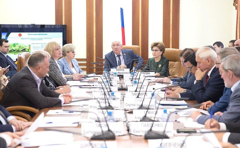 Заседание Комитета СФ пофедеративному устройству, региональной политике, местному самоуправлению иделам Севера натему «Аварийный жилищный фонд вТульской области»