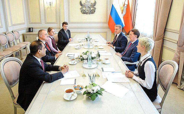 Сергей Лукин игубернатор Воронежской области Алексей Гордеев провели встречу синостранными бизнесменами, работающими всфере гостиничного бизнеса