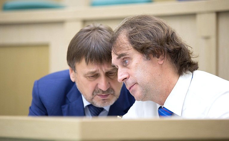 Владимир Лебедев иСергей Лисовский
