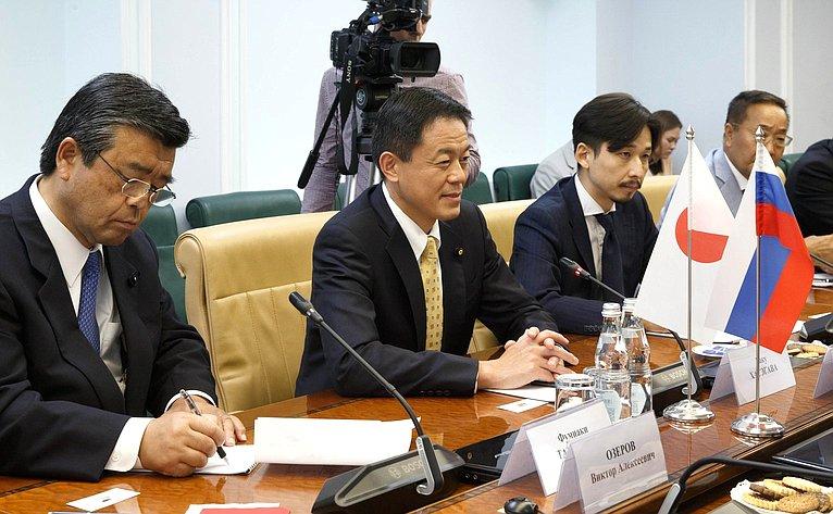 Встреча Д. Мезенцева счленом Палаты советников Парламента Японии Г.Хасэгава