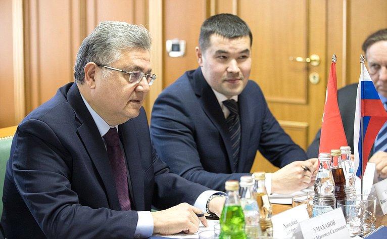 Встреча И. Умаханова сЧрезвычайным иПолномочным Послом Турции Х.Л.Дириозом