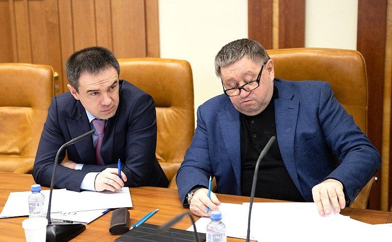 Мурат Хапсироков иМихаил Пономарев