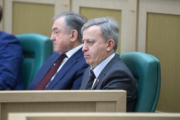 М. Ульбашев на385-м заседании Совета Федерации